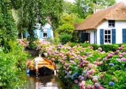 Private Giethoorn tour from Amsterdam