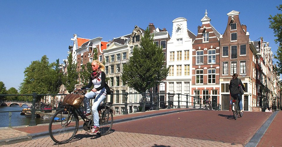 Amsterdam Private Tour Canals with Bicycles