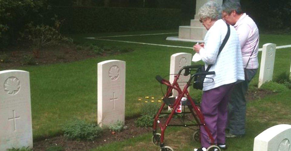 Holland Custom Tour - WWII cemetery