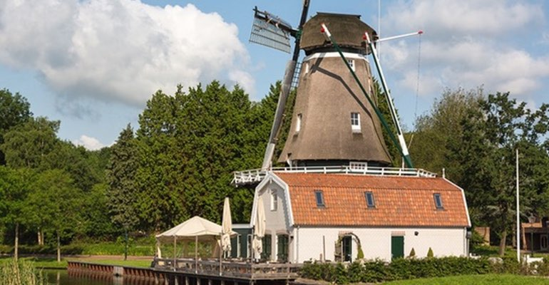 Windmill in country side - Trip from Amsterdam